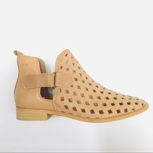 Anthropologie Musse & Cloud Perforated Ankle Boot